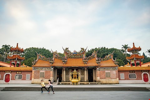 Baozhong Temple in Hsinchu's Xinpu Township was established to commemorate the Lin Shuangwen Rebellion. It is listed as a county historic site. (photo by Lin Min-hsuan)