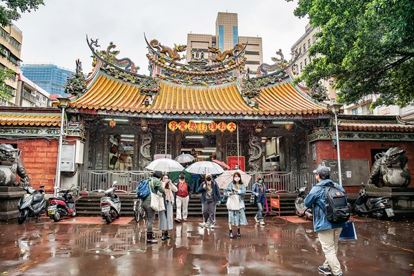 A city never lacks for stories in the course of its development, but there is a lack of opportunities for people to learn these stories. At Walk in Taiwan, getting to know Taiwan is an ongoing process.